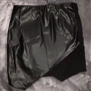 Dresses & Skirts - ❄️ leather mini skirt ❄️